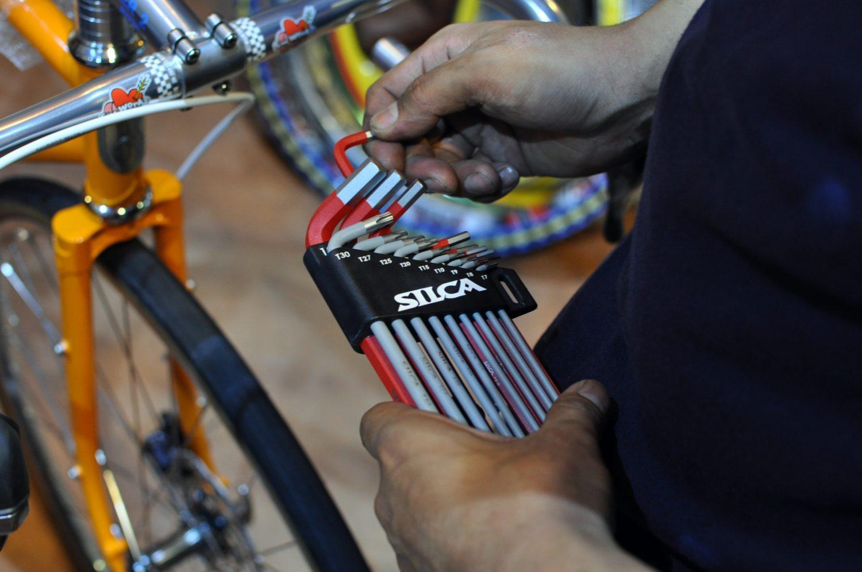 六角の隅をつつきましょう - UNIOR & SILCA Hex Wrench.
